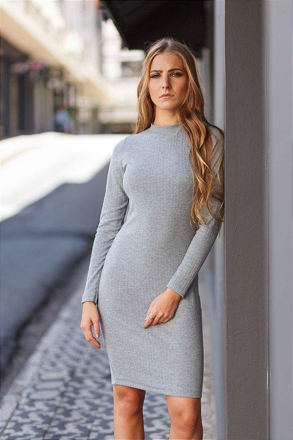 vestido manga longa básico de malha cinza Coleteria