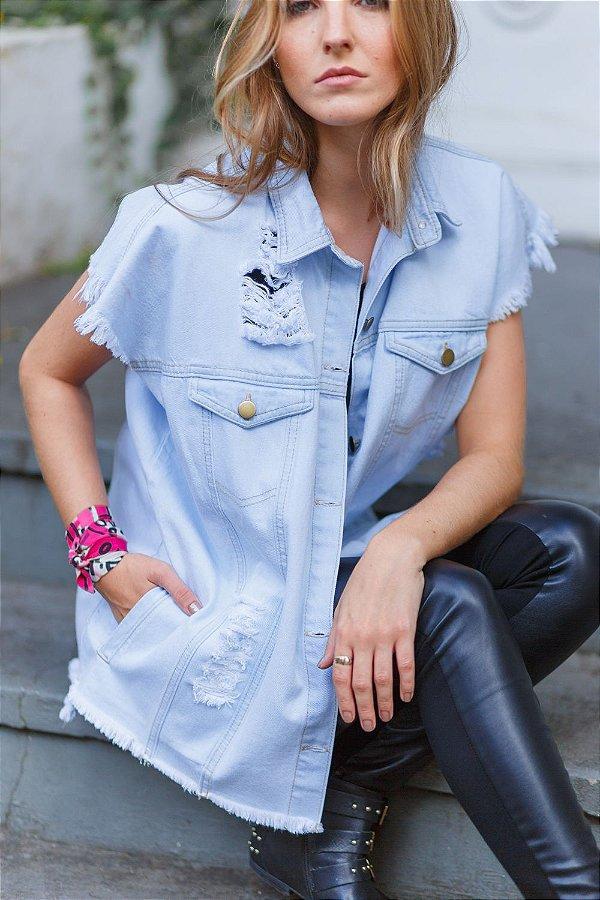 colete jeans oversized destroyed azul claro Coleteria