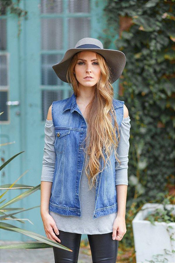 colete jeans básico com bolso azul escuro Coleteria