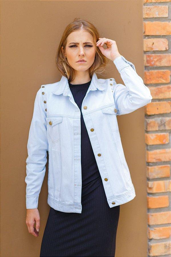 colete e jaqueta jeans básica azul claro Coleteria