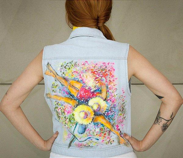 colete jeans pintado à mão | do arco da velha | coletânea santa do pau oco