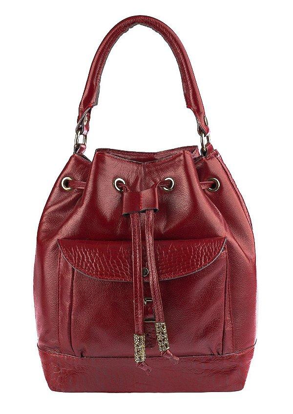 b9d6d54b6e Bolsa saco com bolso em couro legítimo Andrea Vinci cor vermelha ...