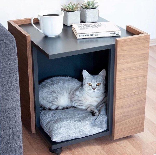 Mesa de Cabeceira com Casinha para Pet - Rodízios - 100% MDF