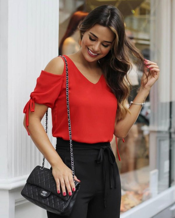 Blusa Decote Ombro Vazado  (CORES)
