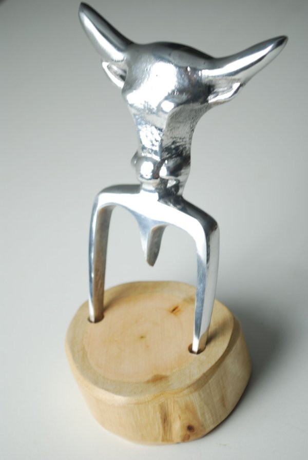 Trinchante em aluminio fundido