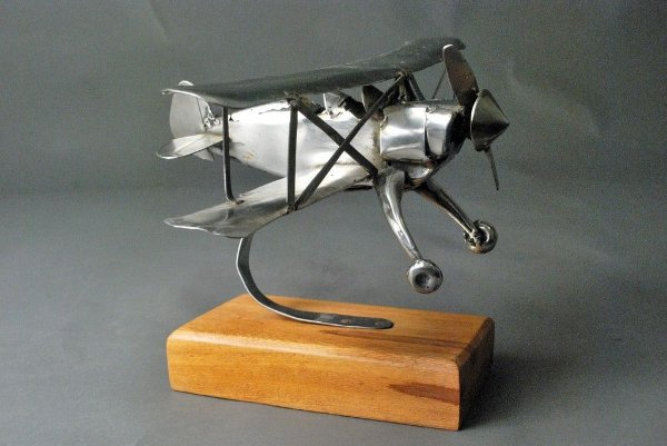 Escultura Avião Biplano