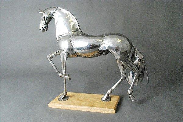 Escultura de Cavalo em solda e aço inox
