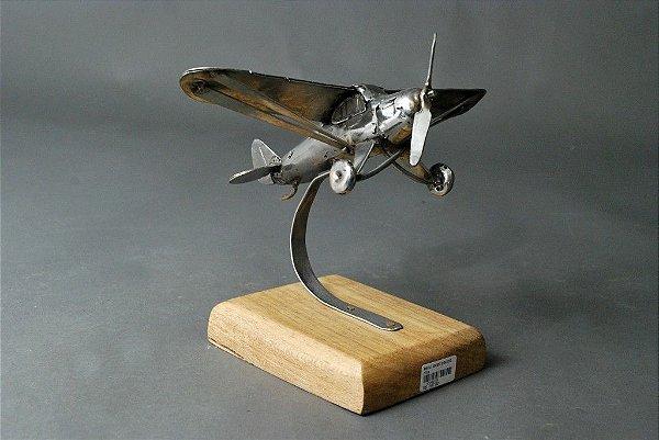 Escultura Avião