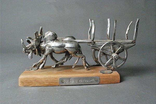 Escultura  carreta de  boi