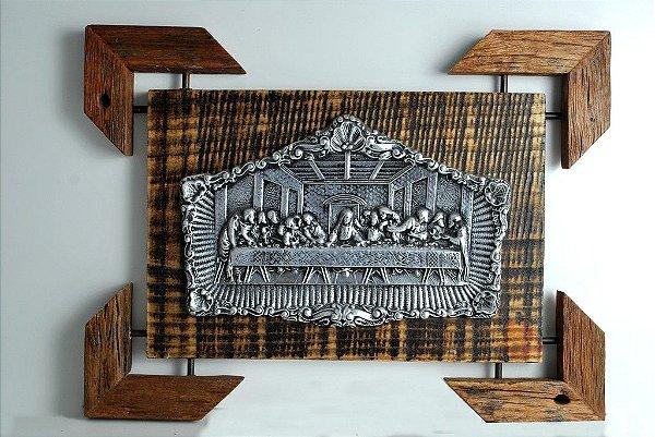 Quadro Santa ceia em madeira de demolição e alumínio fundido