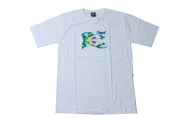 Camiseta bordada do Brasil