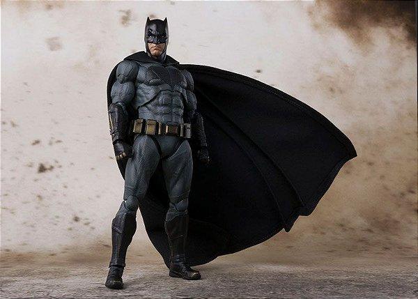 Batman Liga da Justiça S.H. Figuarts Bandai Original