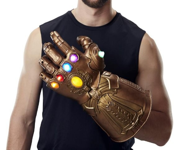 Manopla do Infinito Thanos Vingadores Guerra infinita Marvel Legends Hasbro Original