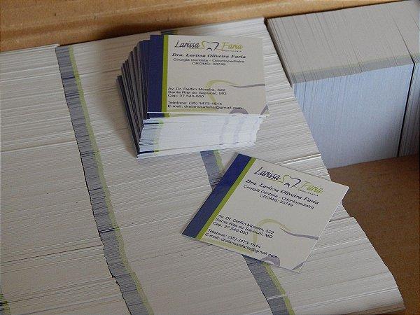 2000 MINI Cartão de Visitas 4x0 Verniz 250g - 4x5cm