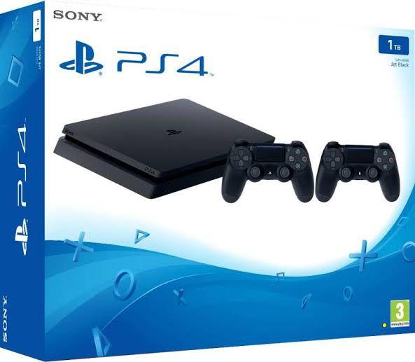 Playstation 4 Slim 2215B 1 TB 2 Controles