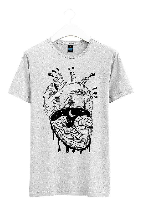 Camiseta Estampada Coração Agitado