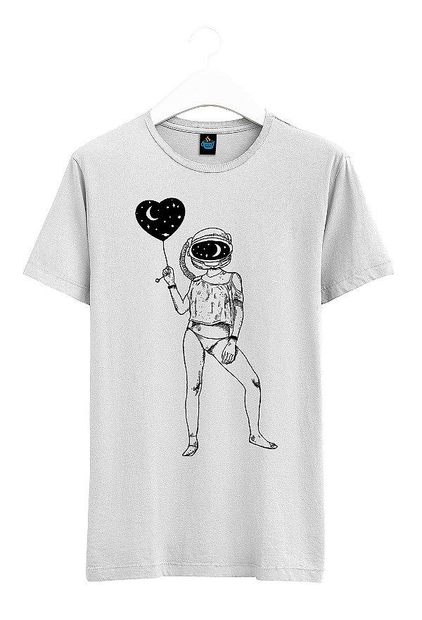 Camiseta Estampada Cabeça no Espaço