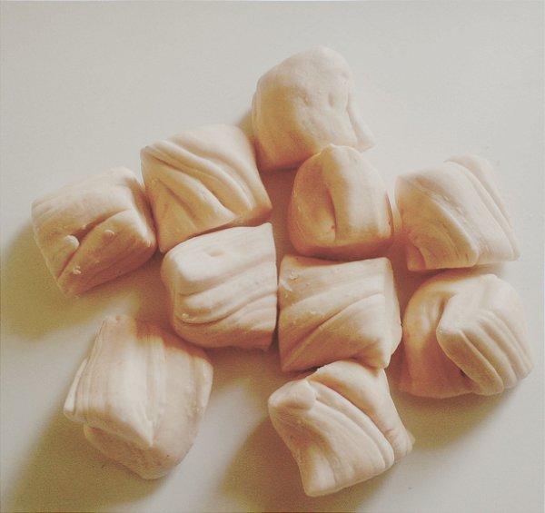 Bala de Coco Tradicional Bege
