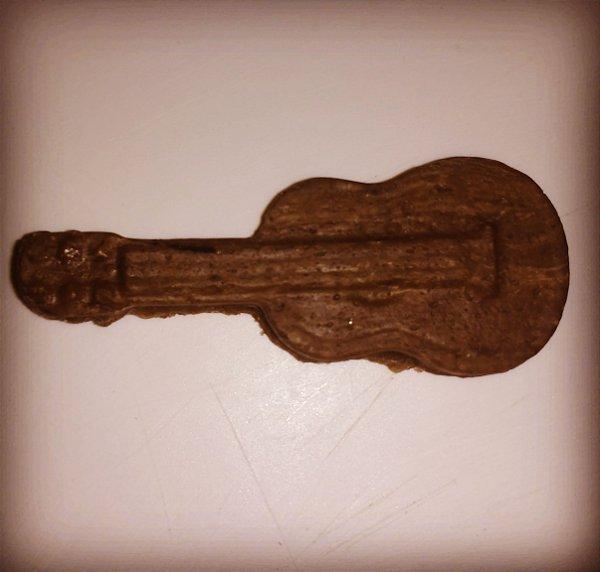Bala de coco de violão