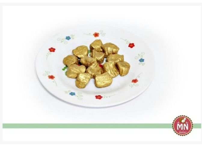 Tradicional mini bala dourada