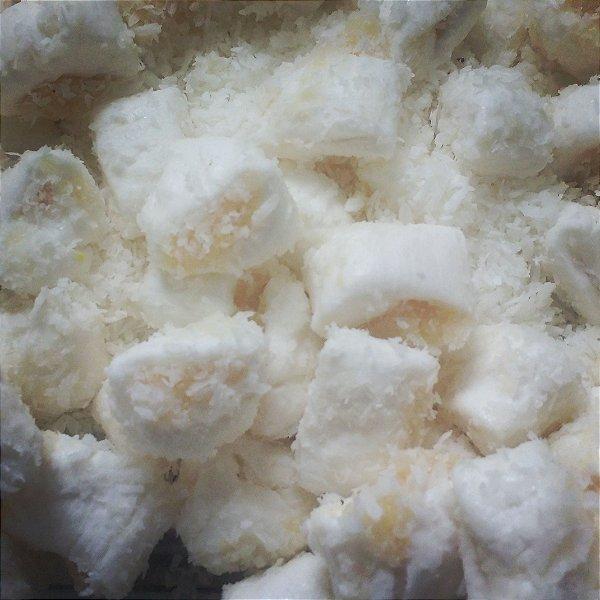 1/2 kg Tradicional com recheio de docinho de coco beijinho gourmet