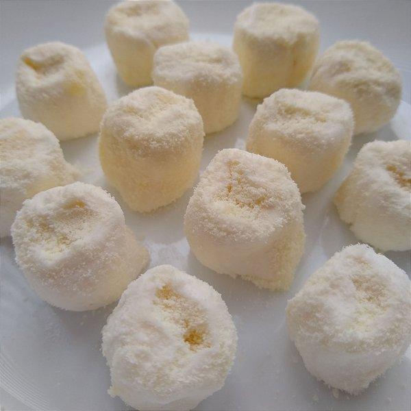 Tradicional com recheio de leite ninho e cobertura de leite ninho