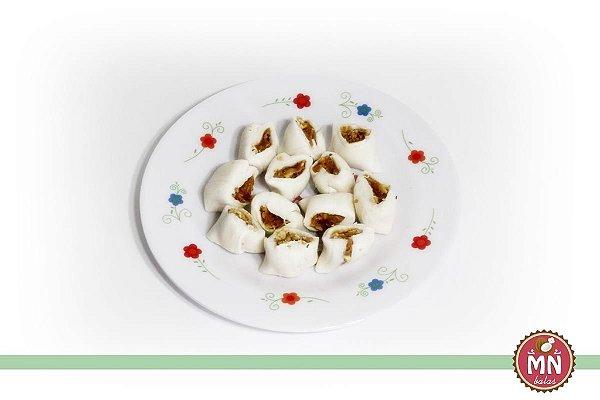 Tradicional com recheio de brigadeiro chocolate e castanhas de caju