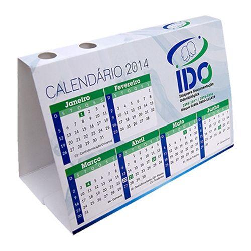 Calendário de mesa com porta canetas 10x15 cm ou 10x20 cm em papel cartão 250g e verniz UV total