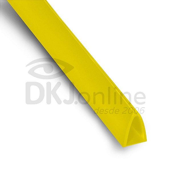 Perfil plástico Peg Doc PS (poliestireno) amarelo 15 mm barra 3 metros