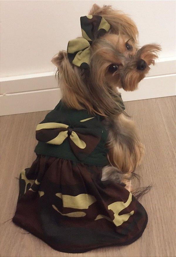 Vestido para cachorro camuflado