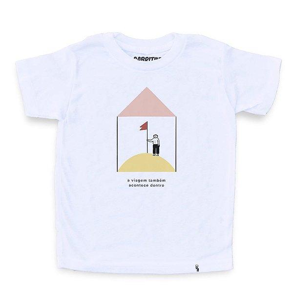 A Viagem Também Acontece Dentro #cestabasica - Camiseta Clássica Infantil
