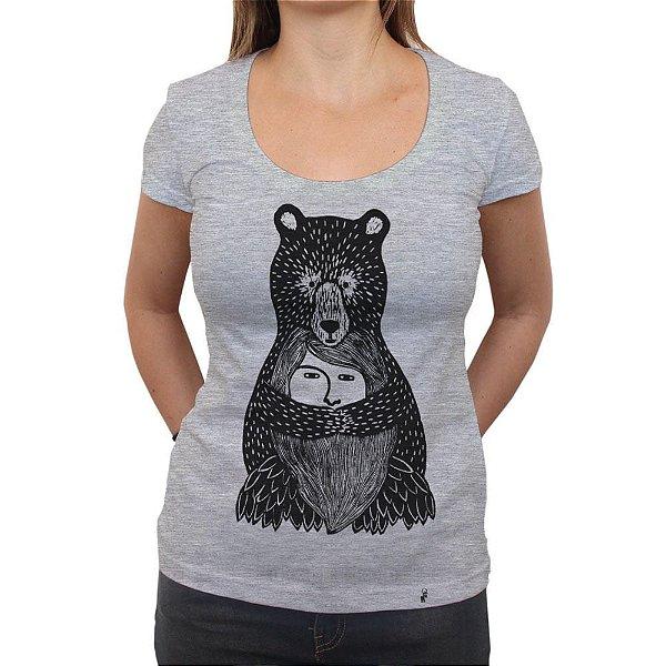 Abraço de Urso - Camiseta Clássica Feminina
