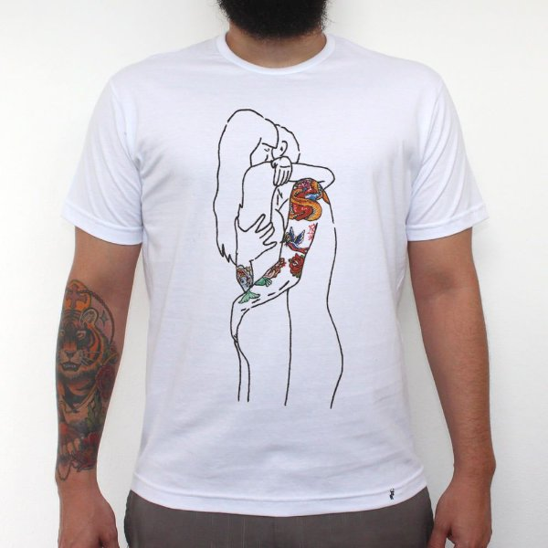 Casal Tatuado - Camiseta Clássica Masculina