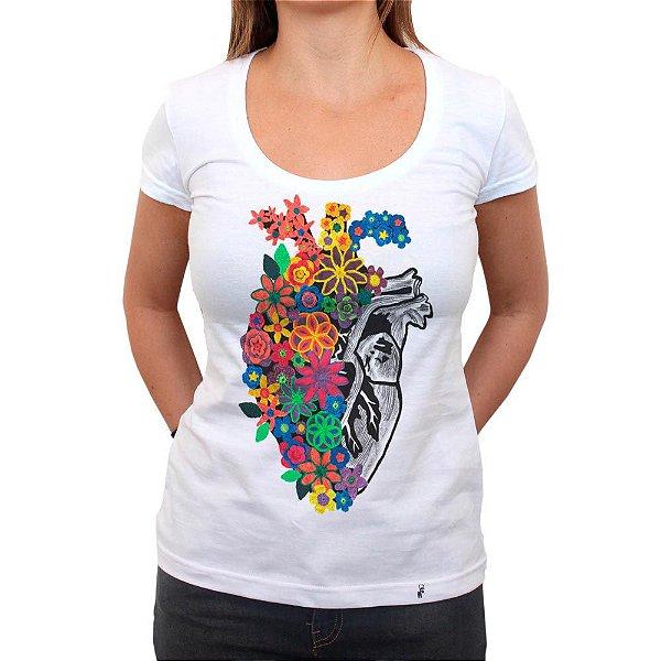 Flores de Crochê - Camiseta Clássica Feminina
