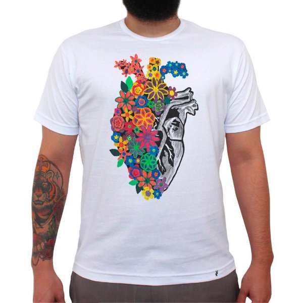 Flores de Crochê - Camiseta Clássica Masculina