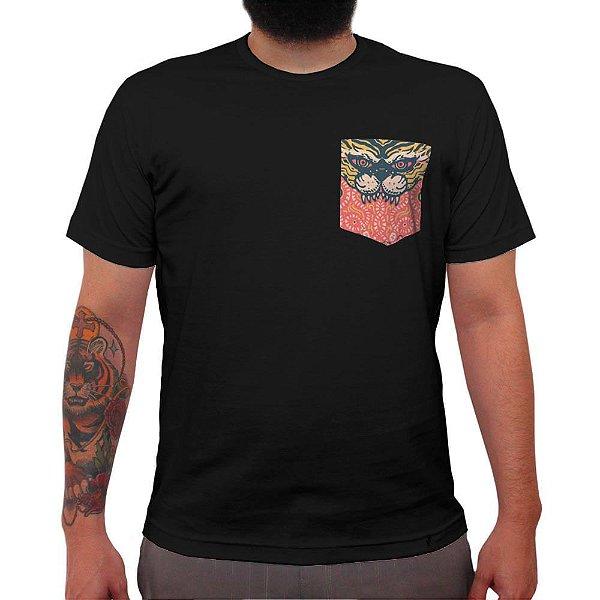 Mistico - Camiseta Clássica com Bolso Masculina