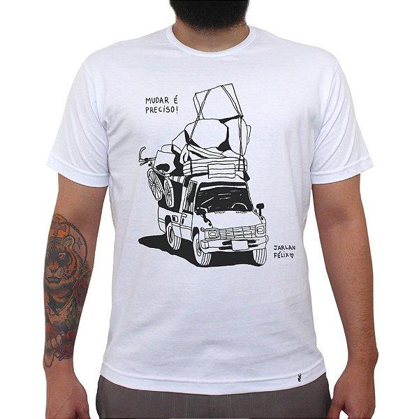 Mudar é preciso - Camiseta Clássica Masculina