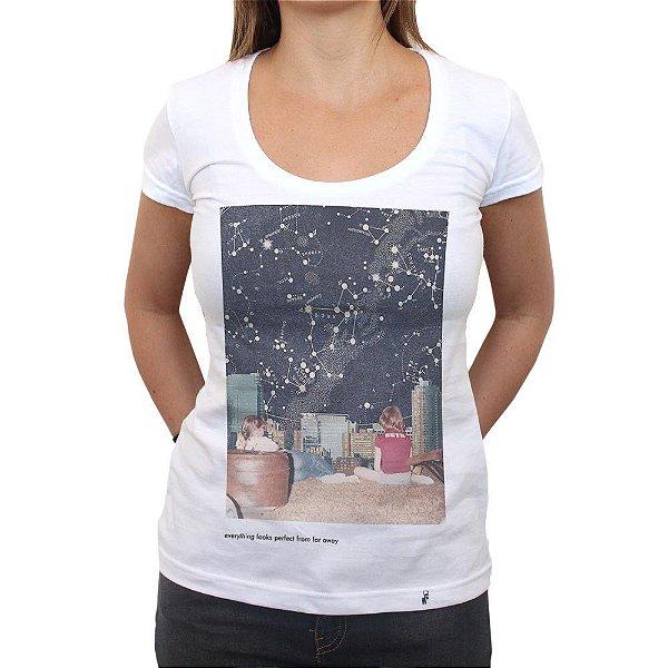 Perfect From Far Away - Camiseta Clássica Feminina