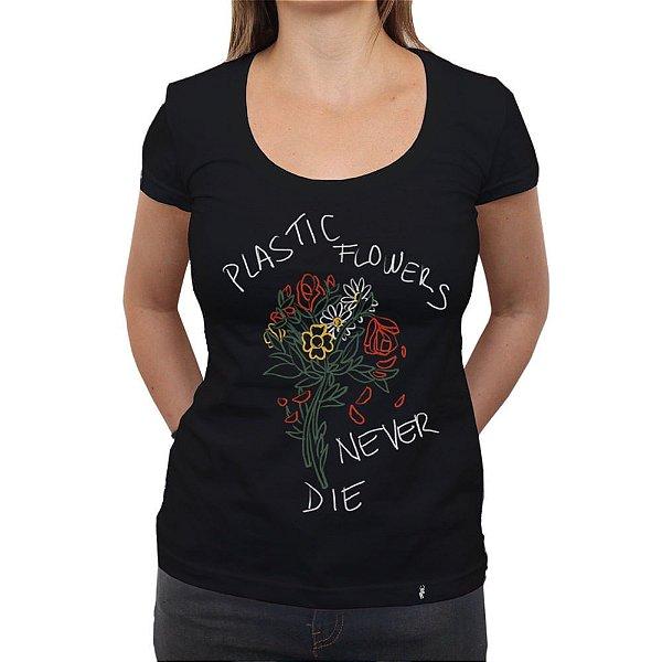 Plastic Flowers - Camiseta Clássica Feminina