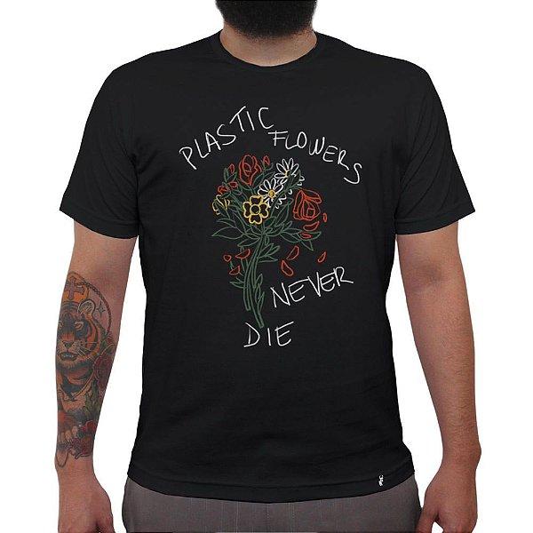 Plastic Flowers - Camiseta Clássica Masculina