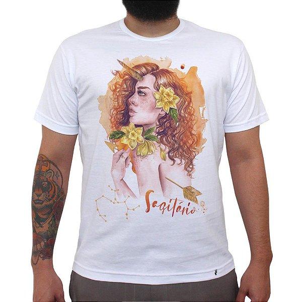 Sagitariana - Camiseta Clássica Masculina