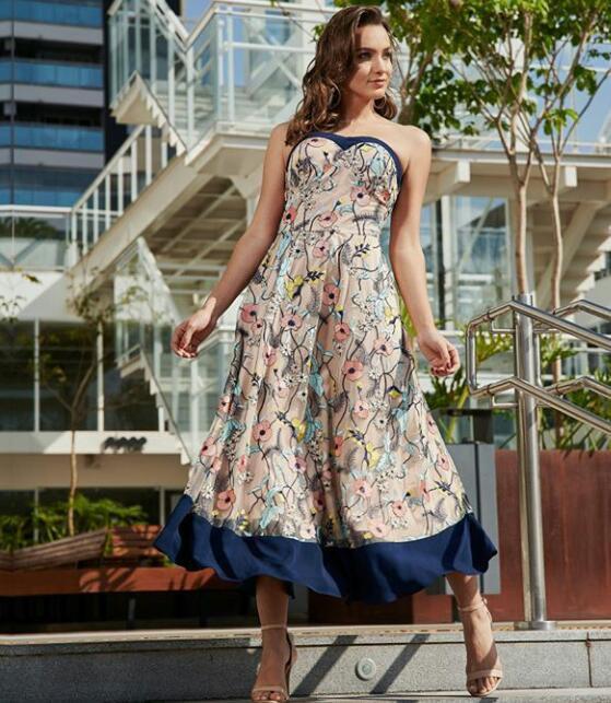 Vestido Tule Bordado Floral