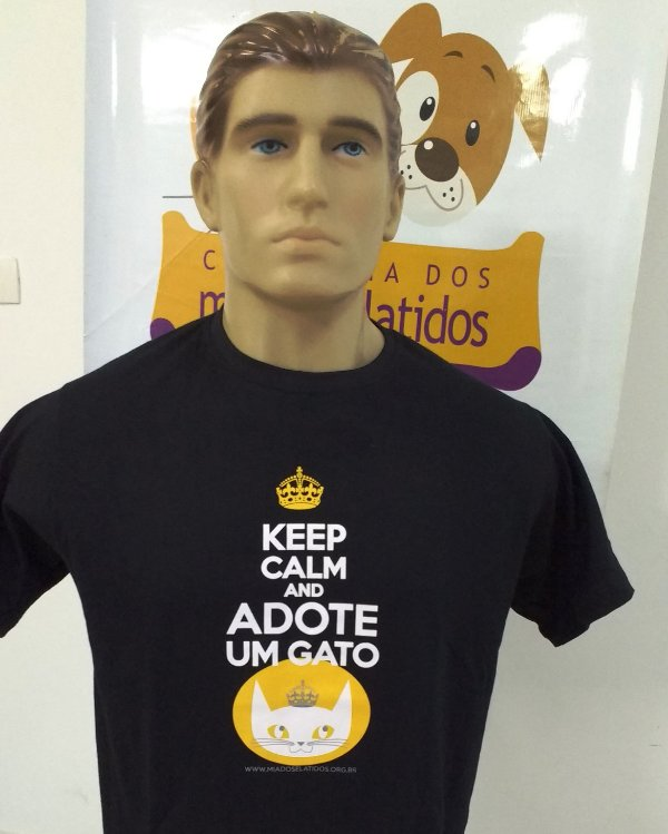Camiseta Keep Calm - Estampa nova! Modelo Tradicional