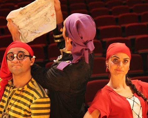 Teatro infantil: Piratas do Caramba