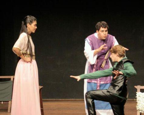 Teatro infantil: Um Conto Nem Tão de Fadas Assim (SÃO PAULO)