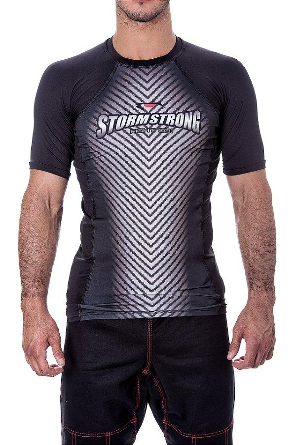 Rash Guard Bolt Preta MC Camiseta Lycra StormStrong
