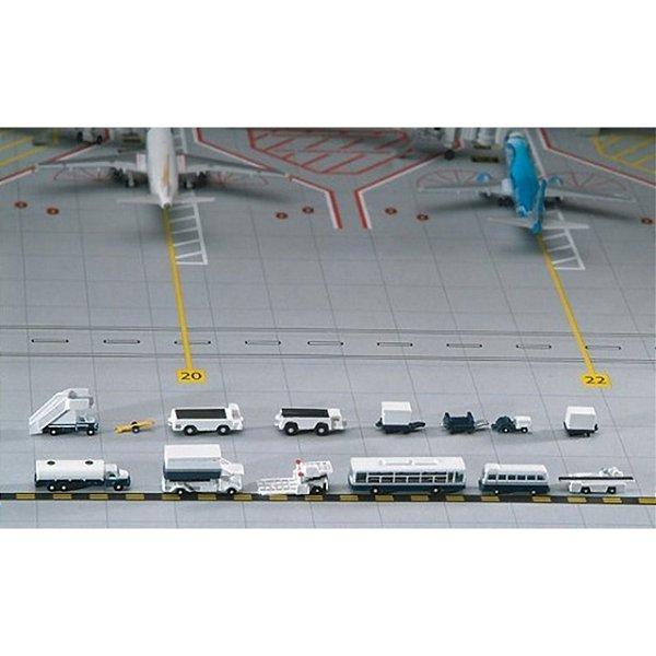 Conjunto de 14 veículos/acessórios de suporte aeroportuário Escala 1/400