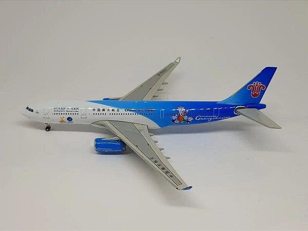 Phoenix 1:400 China Southern Airbus A330-200