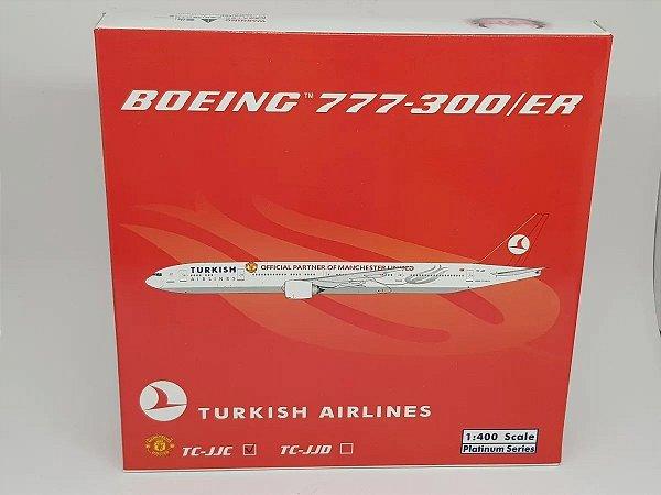 """Phoenix 1:400 Turkish Airlines Boeing 777-300ER  """"Manchester United"""""""