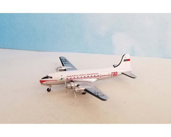 PRÉ-VENDA - Aero Classics 1:400 TAP Douglas DC-4